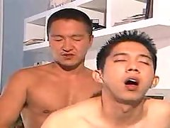 Horny asian clerks fucking and jizzing in office
