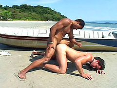Sexy twinks sucking and fucking hard by the sea shore !